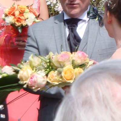 Bespoke Blooms; Stylish Flowers and Beautiful Cakes.